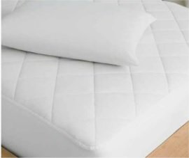 A white and crisp fitted sheet cotton mattress topper