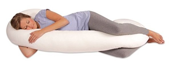 Pregnant Woman using Leachco Snoogle Pillow