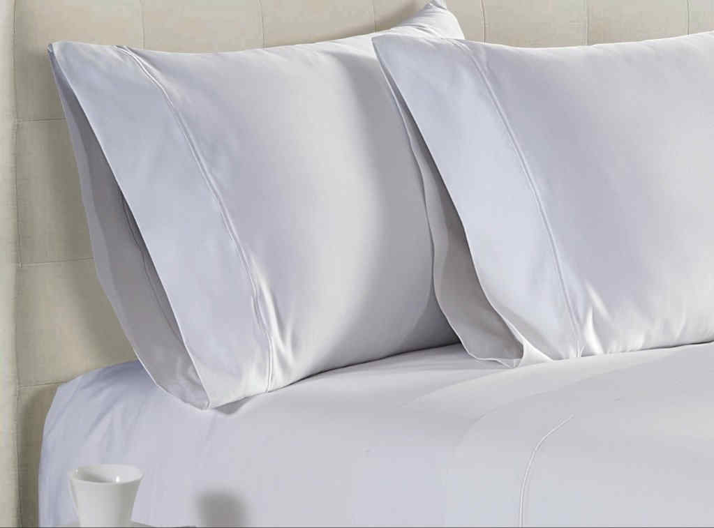 LUXURIOUSLY THICK AND CLOSELY WOVEN PREMIUM SHEETS.