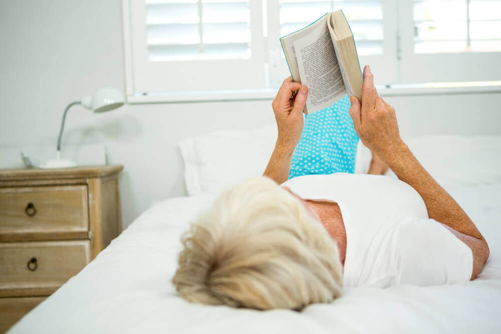Is reading while lying down bad for your wrist and forearms