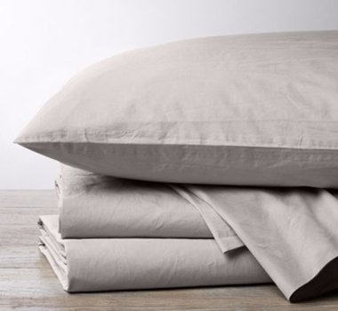 A beautiful set of organic cotton percale in color pewter